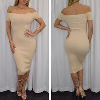 SOLID COLOR DEW SHOULDER BODYCON DRESS