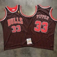 1995-96 Mitchell & Ness 33 Scottie Pippen Swingman Jersey