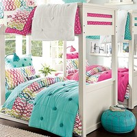 Beadboard Crinkle Bedroom