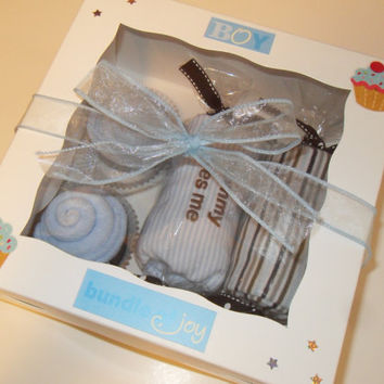 Mommy Loves Me Baby Boy Gift Washcloth Cupcakes Gift Box