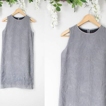 Vintage Gray Minimalist Floral Shift Dress