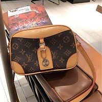 LV Presbyopia Retro Simple Women's Shoulder Messenger Bag
