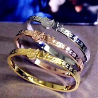 LV tide brand female new product wild fashion letter embossed bracelet