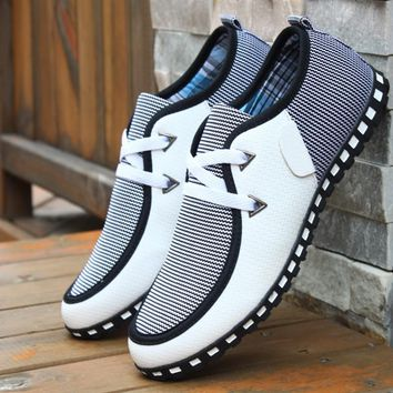 Men's Fashion Air Permeability Increased Trend Line of Men's Shoes in Men's Casual Shoes Doug Board Shoes