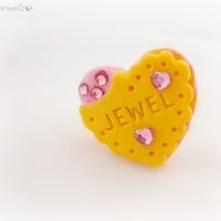 Kawaii kitsch heart cookie ring, teen girl jewelry from celdeconail