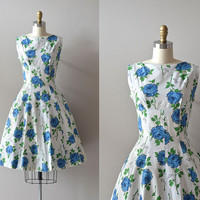 vintage 1950s dress / cotton 50s dress / Blue Roses dress