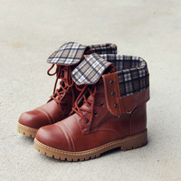 The Lodge Boots in Tan