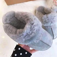 UGG Sells Fashionable And Casual Ladies Pure Velvet Slippers And Sandals Shoes