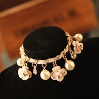 Sweet Roses and Pearl Bracelet