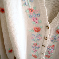Vintage 80s floral knit cardigan sweater girly pearl buttons