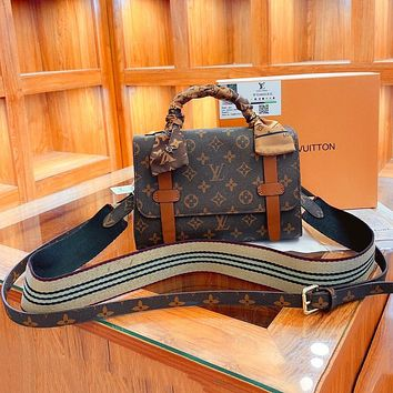 Louis Vuitton LV new presbyopic wild fashion single shoulder messenger bag