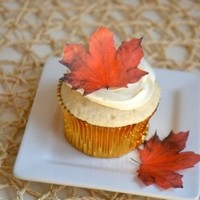 Edible Fall Maple Leaves - Set of 12 - Cake Decorations, Cupcake Topper