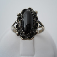 Sterling Silver 925 Onyx Scroll Ring Size 8 Mid Century Marked JJ 925