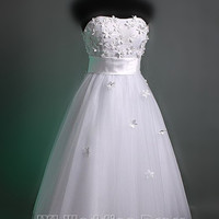 Tulle Strapless Short Wedding Dress with Wide Waistband and Flowers Accented Bodice