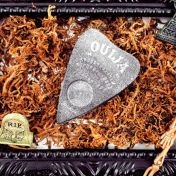 Wake The Dead Black Planchette Dead Sea Scented Bath Bomb With White Shimmer