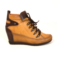 Pikolinos Amsterdam- Lace-up Wedge Bootie