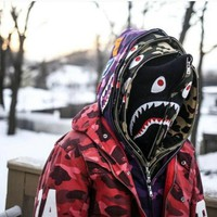 BAPE SHARK Autumn and winter tide brand camouflage Star Shark couple sweater men and women models zipper luminous hooded plus cashmere coat