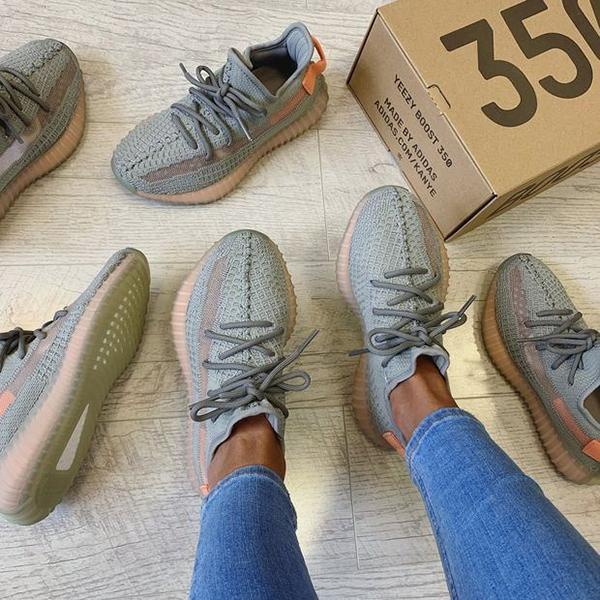 Image of Adidas Yeezy Boost 350 V2 Sneakers Sport Shoes
