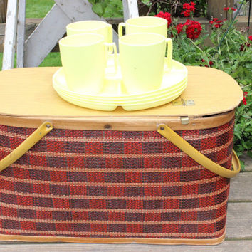 Vintage red and black checked Picnic basket hamper w/ 4 HAWKEYE plastic yellow divided plates and cups, retro picnic basket with plates