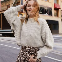UO Casey Turtleneck Sweater | Urban Outfitters