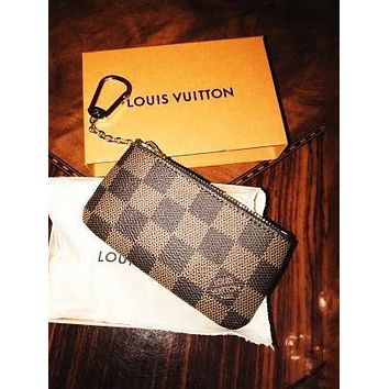 Vsgirlss Louis Vuitton LV Tide brand classic old flower chessboard chain key package Coffee check