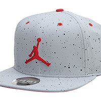 Nike Mens Jordan Retro 4 Snapback Hat Wolf Grey/Fire Red 724893-013