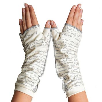 Wuthering Heights Writing Gloves (SECOND EDITION)