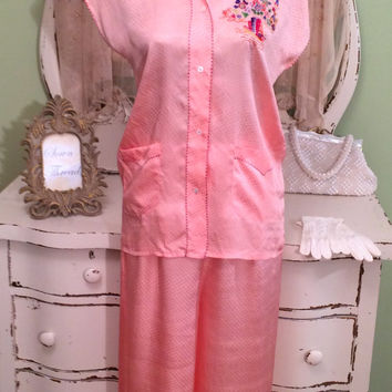 1950s Silk Pajamas - Embroidered Village - 50 40s Nightwear - Peach China - Bridal Vacation Retro - Wide Leg - Bed Wear - Size Medium Small