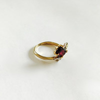 Beautiful Faceted Oval Garnet in Hallmarked 18K Yellow Gold Split Shank Setting, January Birthstone - Approximate Size 6