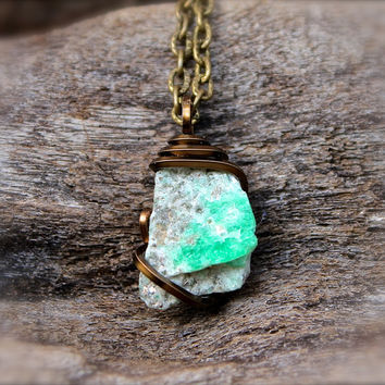 Natural Emerald Necklace - Rough Emerald Jewelry - Raw Stone Jewelry - Rough Green Stone Necklace - Bohemian Jewelry - Boho Gypsy Necklace