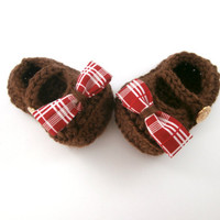 baby girl clothes, baby girl booties, holiday booties, baby shower gift, 0 to 3 months