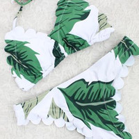 Leaves Print Scalloped Edge Scalloped Trim Bikini Set