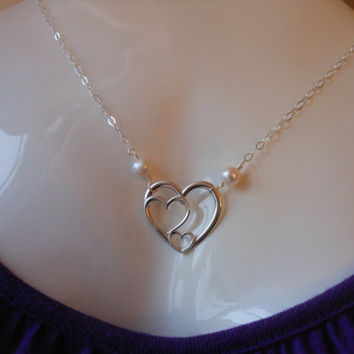 Sister Necklace, Silver Heart Necklace, Three Sisters, Pearl Necklace, Gift for Sister, Triple Heart Necklace, Sister Maid of Honor Gift