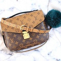 "Hipgirls ""LV"" Bag Louis Vuitton Women's Printed Shoulder Bags Classic Square Bag Contrast Messenger bag"