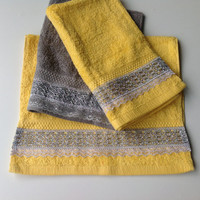 Yellow Decorative Towel set, Yellow Hand Towel Set of 3, House warming Gift, Spa Gift for Her, New Apartment Gift, Birthday Gift for Him