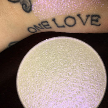 SpaceBarbie Shifter Compact Highlighter