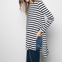 Long-Sleeve Asymmetrical Knitted Shirt With Side Slit