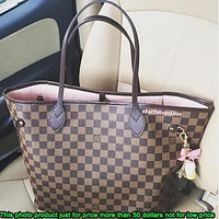 LV Louis Vuitton sells a classic printed two-piece one-shoulder bag for women