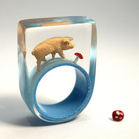 Chic pig – funny pig ring with a light pink pig and a fly agaric on a light blue ring made of resin as a lucky charm