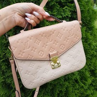 Louis Vuitton Bag #2803