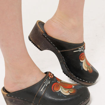 Vintage PAINTED Leather Clogs SWEDISH Clogs WOODEN Heel Clogs Boho Shoes Size 5