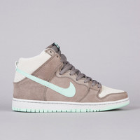 Flatspot - NIke SB Dunk High Pro Soft Grey / Medium Mint
