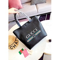 GUCCI Men and women retro letter stripe logo printing shoulder bag Black