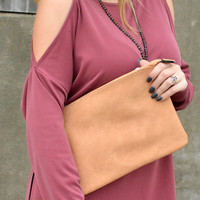 Chic On The Go Clutch - Tan