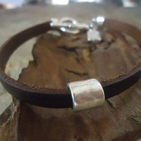 UNISEX brown leather bracelet with toggle closure by AsaiBolivien 9,90 US$