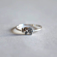 Elephant sterling silver ring, tiny vivid vintage elephant, for good luck  (JZ2)