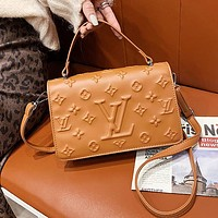 LV Louis Vuitton solid color embossed letters ladies messenger bag shopping shoulder bag cosmetic bag