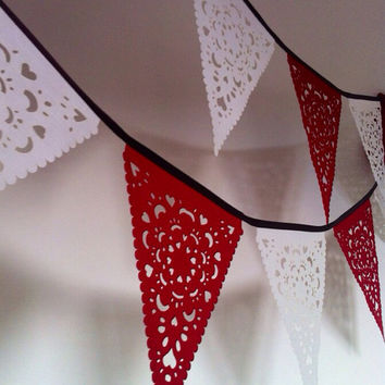 Christmas Red white garland red white bunting party decoration great photo prop, fabric lace home decoration