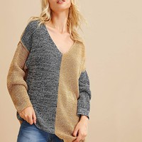 Two Tone V-neck Drop Shoulder Sweater