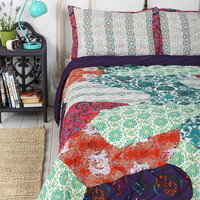Magical Thinking Pieced Floral Quilt